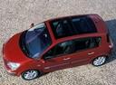 Фото авто Renault Scenic 2 поколение, ракурс: сверху цвет: красный