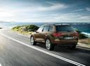 Фото авто Volkswagen Touareg 2 поколение, ракурс: 135 цвет: коричневый