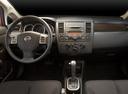 Фото авто Nissan Versa 1 поколение [рестайлинг], ракурс: торпедо