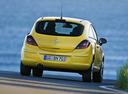 Фото авто Opel Corsa D, ракурс: 180 цвет: желтый