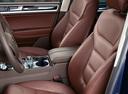 Фото авто Volkswagen Touareg 2 поколение, ракурс: салон целиком