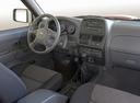 Фото авто Nissan NP300 1 поколение, ракурс: торпедо