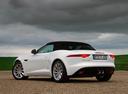 Фото авто Jaguar F-Type 1 поколение, ракурс: 135 цвет: белый