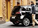 Фото авто Renault Scenic 3 поколение [2-й рестайлинг], ракурс: 225 цвет: черный