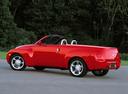 Фото авто Chevrolet SSR 1 поколение, ракурс: 135 цвет: красный