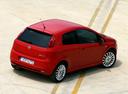 Фото авто Fiat Punto 3 поколение, ракурс: сверху цвет: красный
