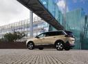 Фото авто Peugeot 5008 2 поколение, ракурс: 135 цвет: бежевый