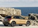 Фото авто Mercedes-Benz GLA-Класс X156 [рестайлинг], ракурс: 225 цвет: золотой