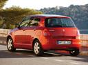 Фото авто Suzuki Swift 3 поколение, ракурс: 135 цвет: красный