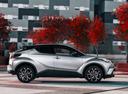 Фото авто Toyota C-HR 1 поколение, ракурс: 270 цвет: серебряный
