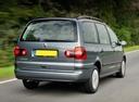 Фото авто Volkswagen Sharan 1 поколение [2-й рестайлинг], ракурс: 225 цвет: серый