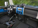 Фото авто Toyota FJ Cruiser 1 поколение, ракурс: торпедо