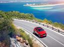 Фото авто Jaguar E-Pace 1 поколение, ракурс: 315 цвет: красный