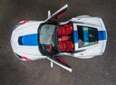 Фото авто Chevrolet Corvette C7, ракурс: сверху цвет: белый