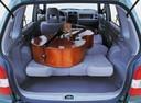 Фото авто Mazda Demio DW [рестайлинг], ракурс: багажник