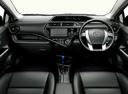 Фото авто Toyota Aqua 1 поколение [рестайлинг], ракурс: салон целиком
