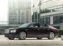 Фото авто Bentley Flying Spur 1 поколение, ракурс: 90 цвет: фиолетовый
