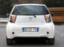 Фото авто Toyota iQ 1 поколение, ракурс: 180