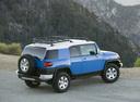 Фото авто Toyota FJ Cruiser 1 поколение, ракурс: 225 цвет: синий