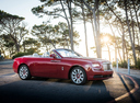 Фото авто Rolls-Royce Dawn 1 поколение, ракурс: 315 цвет: красный