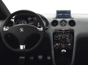 Фото авто Peugeot RCZ 1 поколение, ракурс: рулевое колесо