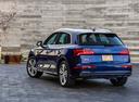 Фото авто Audi Q5 2 поколение, ракурс: 135 цвет: синий