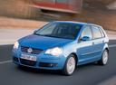 Фото авто Volkswagen Polo 4 поколение [рестайлинг], ракурс: 45 цвет: голубой