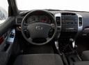 Фото авто Toyota Land Cruiser Prado J120, ракурс: торпедо