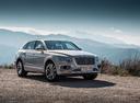 Фото авто Bentley Bentayga 1 поколение, ракурс: 315 цвет: серебряный