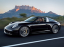 Фото авто Porsche 911 991, ракурс: 45 цвет: черный