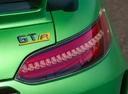 Фото авто Mercedes-Benz AMG GT C190 [рестайлинг], ракурс: задние фонари цвет: зеленый