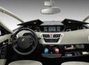 Фото авто Citroen C4 Picasso 1 поколение, ракурс: торпедо