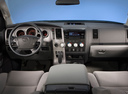 Фото авто Toyota Tundra 2 поколение [рестайлинг], ракурс: торпедо
