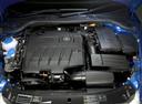 Фото авто Skoda Octavia 2 поколение, ракурс: двигатель