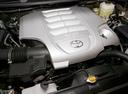 Фото авто Toyota Land Cruiser J200, ракурс: двигатель