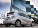 Фото авто Toyota Prius C 1 поколение, ракурс: 225