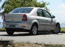 Фото авто Renault Logan 1 поколение [рестайлинг], ракурс: 225 цвет: серебряный