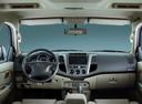 Фото авто Toyota Fortuner 1 поколение [рестайлинг], ракурс: торпедо