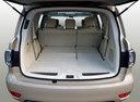 Фото авто Nissan Patrol Y62, ракурс: багажник