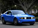 Фото авто Ford Mustang 5 поколение [рестайлинг], ракурс: 315 цвет: голубой