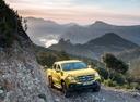 Фото авто Mercedes-Benz X-Класс 1 поколение, ракурс: 315 цвет: салатовый