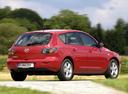 Фото авто Mazda 3 BK, ракурс: 225 цвет: красный