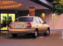 Фото авто Hyundai Accent LC, ракурс: 225 цвет: бежевый
