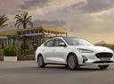 Фото авто Ford Focus 4 поколение, ракурс: 315 цвет: белый