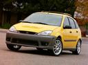 Фото авто Ford Focus 1 поколение [рестайлинг], ракурс: 45 цвет: желтый