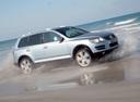 Фото авто Volkswagen Touareg 1 поколение [рестайлинг], ракурс: 270 цвет: серебряный