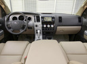 Фото авто Toyota Tundra 2 поколение, ракурс: торпедо