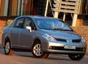 Фото авто Nissan Tiida C11, ракурс: 315 цвет: серебряный