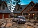 Фото авто Jeep Cherokee KL [рестайлинг], ракурс: 135 цвет: серебряный