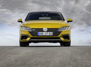 Фото авто Volkswagen Arteon 1 поколение,  цвет: желтый